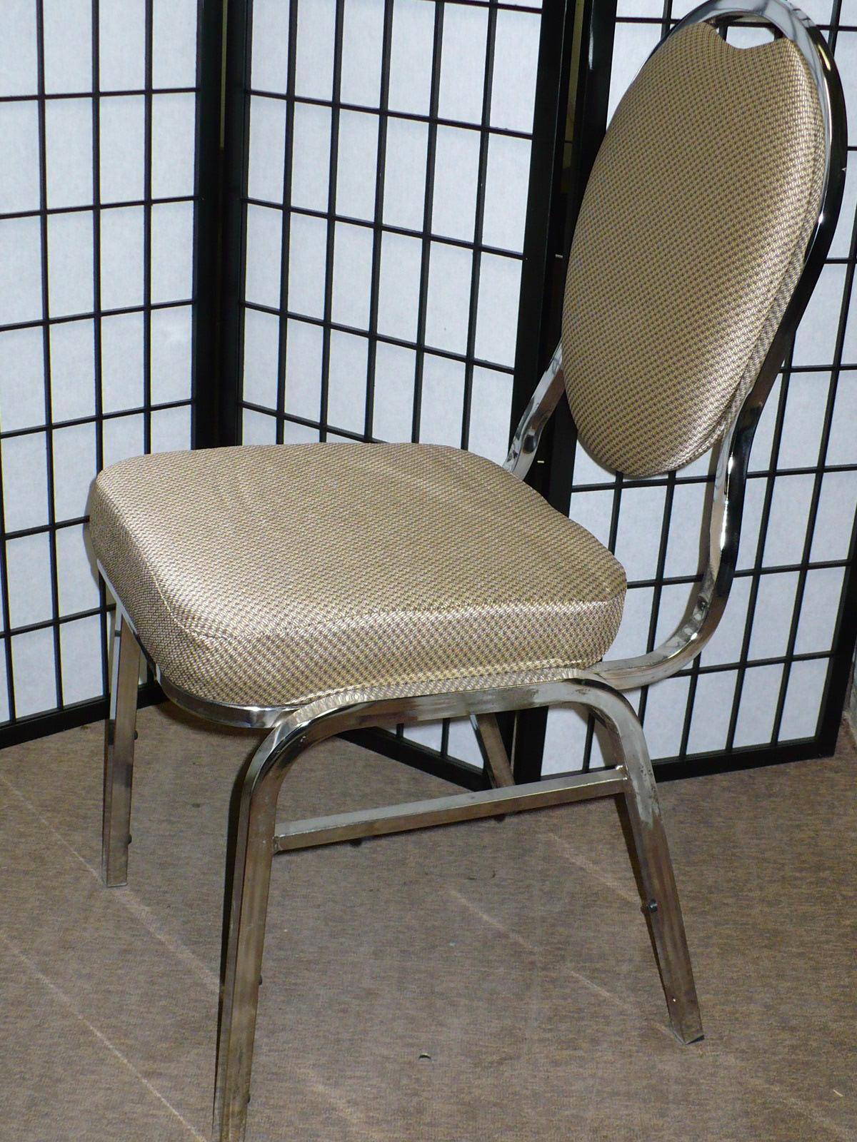 Chaise de banquet empilable for Liquidation chaise de bureau